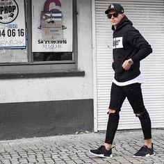 Back to Black* Snapchat Konny100 ––––––––––––––––– #nmd #adidas
