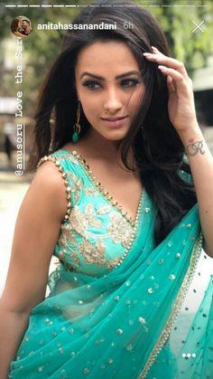 Beautiful Bollywood Actress, Beautiful Indian Actress, Indian Tv Actress, Indian Actresses, Saree Poses, Sonam Kapoor, Deepika Padukone, Saree Photoshoot, Elegant Saree