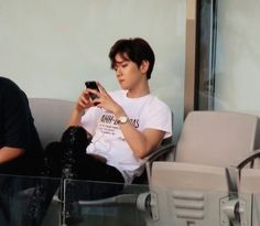 Find images and videos about kpop, exo and baekhyun on We Heart It - the app to get lost in what you love. Exo Memes, Xiu Min, Exo K, Chanbaek, Kyungsoo, Boyfriend Material, Korean Singer, My Love, Life