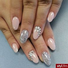Usually not to fond of the round nails but I really like this look and design