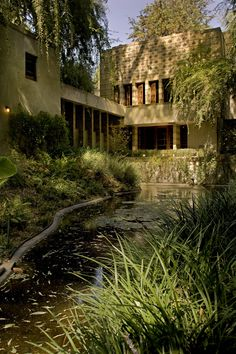 Opening Ceremony Teams With the Frank Lloyd Wright Foundation for Spring 2016