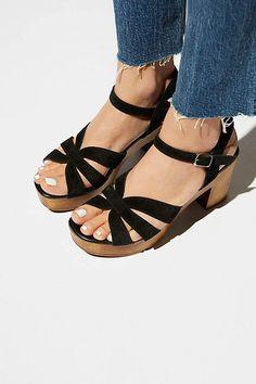 b3cc9f93280 Matisse Adella Clog Clog Sandals