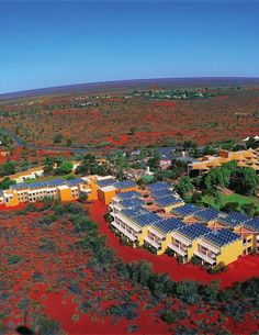 Travelers who go to Australia's Northern Territory to walk amongst the peculiar red rock formations of Uluru and Kata Tjuta will find that they have one choice when it comes to lodging: The Ayers Rock Resort