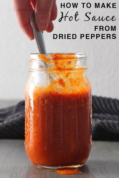 With dried peppers, you can make your own hot sauce from scratch year round! Here's how to make hot sauce from dried peppers. Menopause, Vegan Recipes Easy, Mexican Food Recipes, Tuna Recipes, Sandwich Recipes, Diet Recipes, High Calorie Diet, Sauce Spaghetti, Coconut Oil Weight Loss