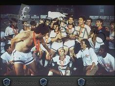 #10deoctubre en 1990  @elclubolimpia vence en la final al Barcelona de Guayaquil y se consagra por segunda vez en su historia Campeón de la #copalibertadores  #futbohemio #futbol