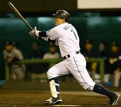 Captain's big day powers Lions to victory over the Buffaloes: Takumi Kuriyama goes 4-for-5 with 2 doubles and drives in 3 runs at Omiya Park Baseball Stadium on Thursday, April 13, 2013.