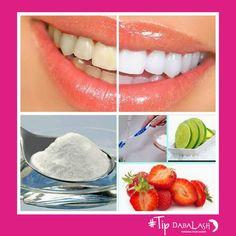 Un poco de bicarbonato de sodio en el cepillo de dientes y comer muchas fresas a diario = Dientes más blancos #Tipsdabalash