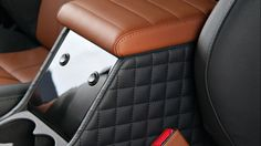 Ideas For Custom Cars Interior Land Rover Defender Land Rover Defender Interior, Land Rover Defender 110, Defender 90, Range Rover Classic, Custom Car Interior, Truck Interior, Landrover Defender, Car Interior Upholstery, Cars Land