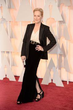 Meryl Streep de Lanvin y combinado con un clutch de Salvatore Ferragamo.