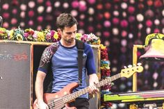 Look how cute Guy Berryman is! Great Bands, Cool Bands, Coldplay New, Coldplay Paradise, Chris Martin Coldplay, Phil Harvey, Jonny Buckland, British Rock, Britpop