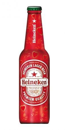 Per un regalo personalizzato, si va su heineken.it, all'interno della sezione Your Heineken, e si scrivono messaggi amorosi o si inseriscono foto.