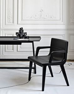 Chairs: ACANTO '14 – Collection: Maxalto – Design: Antonio Citterio