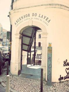 Itinéraire Lisbonne triple play : 3 funiculaires + 3 belvédères + 3 lieux - Lisbohème Play, Destinations, Lisbon, Viajes, Lisbon Portugal, Public Transport, Places, Vacation, Travel Destinations