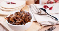 Poulet effiloché...sauce piquante à la mijoteuse - Recettes - Recettes simples et géniales! - Ma Fourchette - Délicieuses recettes de cuisine, astuces culinaires et plus encore!