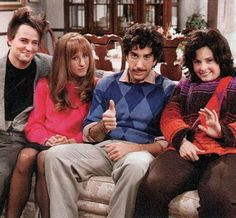 #Friends I looove the flashbacks/80's episodes