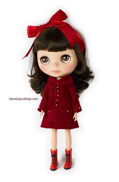 http://elblogdelupi.com/laboutiquedelupi/la-boutique-de-lupi-the-oz-coat #red #coat #blythe