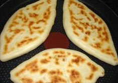 Pupusas recept: El Salvador nemzeti étele, olyasmi, mint a quesadillas… Salvadorian Food, Food Network Recipes, Cooking Recipes, Bread Dough Recipe, Quesadilla Recipes, Yummy Food, Tasty, Hungarian Recipes, Recipe Steps