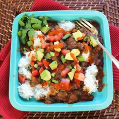 Colombian Red Beans served with rice is a very national dish. Colombian Red Beans - Frisoles Antioquenos by Sue Lau Colombian Dishes, Colombian Cuisine, Recipes Using Beans, Bean Recipes, Healthy Recipes, Latin American Food, Latin Food, Columbian Recipes, Salads