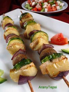 AranyTepsi: Nyári zöldséges csirkenyárs krémfehérsajtos salátával