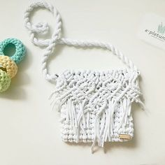 Море..пляж.. длинное белое платье.. цветные браслеты.. и она...(сумочка)😂.ммм ✖продана На подкладе с замочком. Состав 100% хлопок  Цена 1600руб.