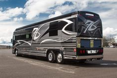 Our Luxury Motorhomes are the ultimate ride. Our craftspeople create one of a kind luxury RVs for your one of a kind life. World class Prevost bus conversion. Luxury Campers, Luxury Motorhomes, Luxury Rv, Prevost Coach, Prevost Bus, Marathon Coach, New Bus, Bus Conversion, House On Wheels