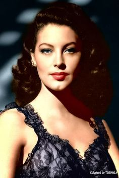 Ava Gardner A Face that will never be again...she never altered a single thing to her body, not like stars of today...