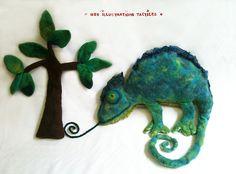 """caméléon et petit arbre en feutre """"Mes Illustrations Tactiles"""""""