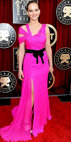 Oscar de la Renta's Most Showstopping Red Carpet Moments | JENNIFER LAWRENCE    | At the 2011 SAG Awards