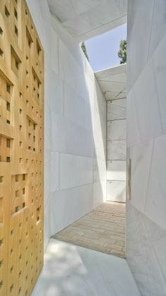Family Mausoleum / Ecoproyecta