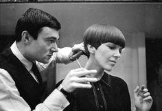 Vidal Sasoon el dueño de la moda en cortes de cabello revolucionarios en su época.  El padre de la peluqueria moderna