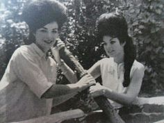 Priscilla presley  on the right.