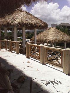 Techos de cana baranda de palos redendo y maderas