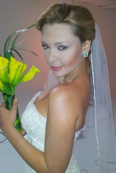"Emerald / Bridal photo shoot for ""Guia de Novias"" magazine photographer; Mauricio Mendoza, Jewelry; Specialist in Fine Colombian Emeralds"