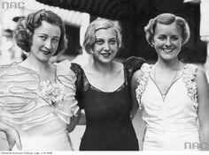 Kandydatki na konkurs piękności Miss Europy 1934. Z lewej Miss Polonia Maria Żabkiewiczówna