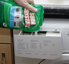 Cleaning your washing machine with soda crystals and vinegar