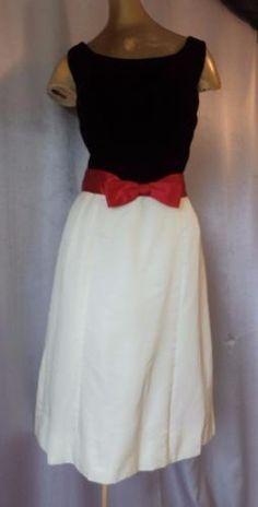 BLACK-VELVET-amp-IVORY-SATIN-Vintage-1950s-CHIC-COLORBLOCK-COCKTAIL-PARTY-DRESS