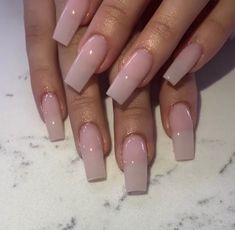 "If you're unfamiliar with nail trends and you hear the words ""coffin nails,"" what comes to mind? It's not nails with coffins drawn on them. It's long nails with a square tip, and the look has. Perfect Nails, Gorgeous Nails, Love Nails, Pretty Nails, Nagellack Design, Nagellack Trends, Finger, Cute Acrylic Nails, Acrylic Gel"
