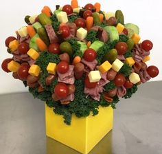 Deli-iscious Edible Bouquet - Please . Food Bouquet, Gift Bouquet, Edible Bouquets, Edible Flowers, Bbq Gifts, Food Gifts, Vegetable Bouquet, Valentine Bouquet, Food Gallery
