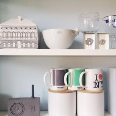 Sweet home 🏡 Pantone, Sweet Home, Mugs, Tableware, Instagram Posts, Kitchen, Kitchens, Dinnerware, Cooking