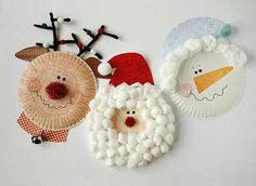 Père Noël, Renne et Bonhomme de neige: