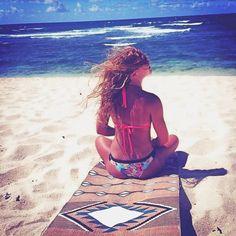 Salty hair don't care.✌️#regram @scenicroutehawaii #laviebohemeyoga #navajo #travel #hawaii #sundayfunday #saltyhair #relax (shop link in bi