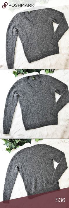 EDDIE BAUER  WOOL SWEATER CABLE KNIT V NECK GRAY💗 EDDIE BAUER  CABLE KNIT V NECK SWEATER . Lambswool / Angora blend . A Classic cable knit in smokey Gray . Size Small . Measurements Bust Flat 17 . Length 24 Sleeves 24 Preloved in excellent condition .💗 Eddie Bauer Sweaters V-Necks