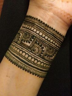 Temporary Tattoos Like Henna Dry Fast Back Hand Mehndi Designs, Mehndi Designs Book, Modern Mehndi Designs, Mehndi Design Photos, Wedding Mehndi Designs, Dulhan Mehndi Designs, Beautiful Henna Designs, Mehndi Designs For Hands, Latest Bridal Mehndi Designs