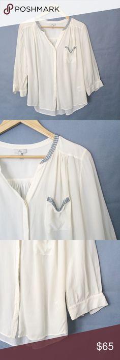 """Joie 100% silk button down blouse/shirt/top Joie 100% silk button down blouse/shirt/top. Like new condition. Size M. Flat measurements: underarms: 21"""", length:23"""". Joie Tops Button Down Shirts"""