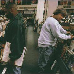 Organ Donor (UNKLE Sounds Edit) par DJ Shadow identifié à l'aide de Shazam, écoutez: http://www.shazam.com/discover/track/40294353