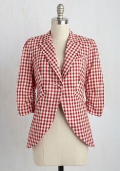 Fine and Sandy Blazer in Red Gingham. No need to roll up your sleeves before the big meeting - this red-and-white gingham blazer boasts ruched 3/4-length sleeves for a look that means festive and functional business. #red #modcloth