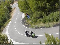 ¿Por qué no debes pegarte a otra moto?   @PoluxCriville #ConduccionSegura