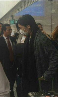 Aoi (the GazettE) at the airport! Where I might be going soon! >ω<