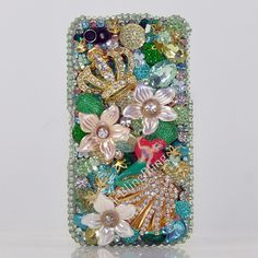 meblingbling.com custom makes cases for iphones... I want this Little Mermaid one!