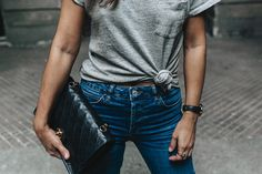 Topshop_Jeans-Jimmy_Choo_Shoes-Lace_Up-Ballerina_Heels-Grey_Top-Chanel_Vintage-Outfit-MFW-Milan-30